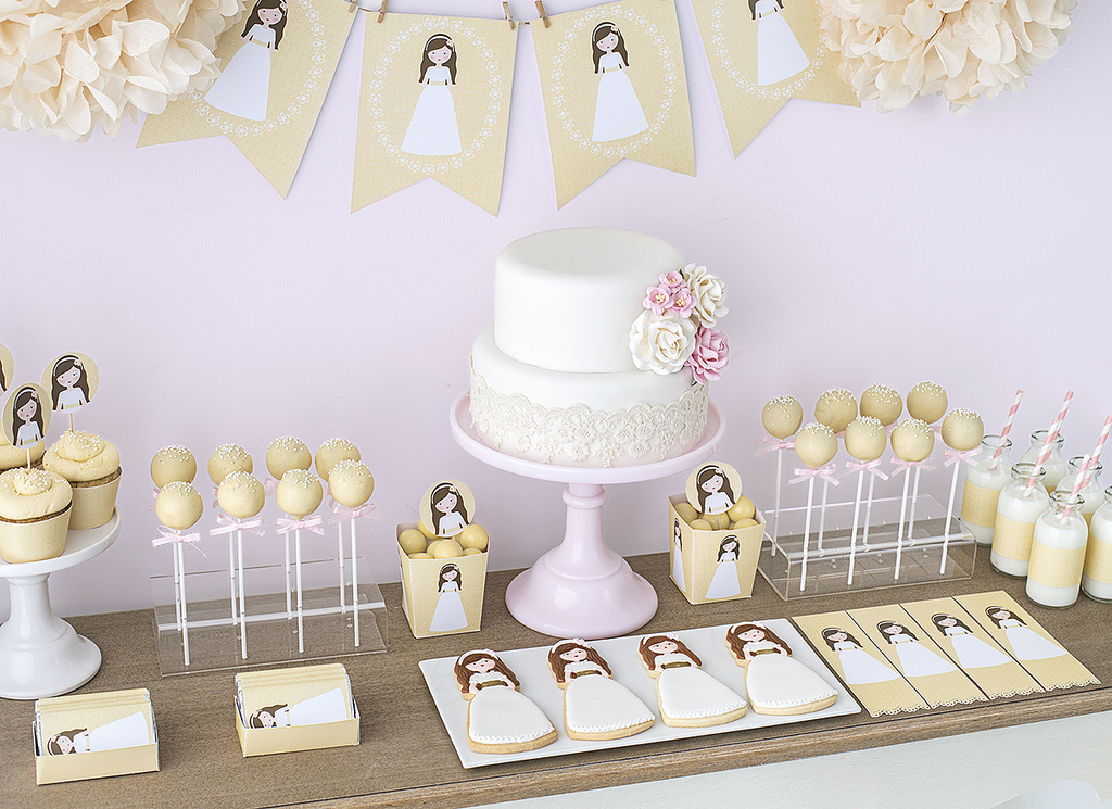 10 tips para preparar una mesa dulce para comuniones - Ideas para decorar una mesa de comunion ...